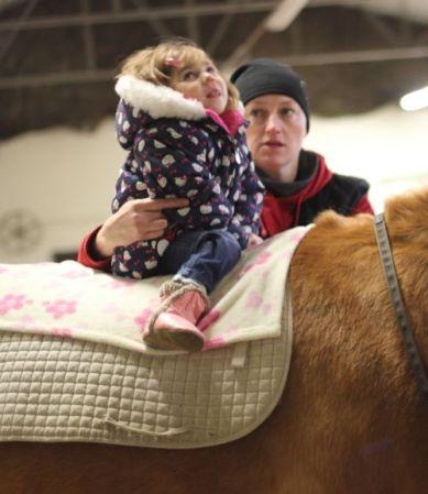 Bela na koniu z Beatą w Zabajce